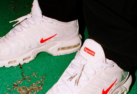 Supreme x Nike Air Max Plus 最新「White Red」配色联名鞋款缩略图